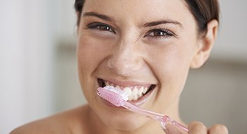 Daytona Beach Preventive Dentistry Woman brushing teeth